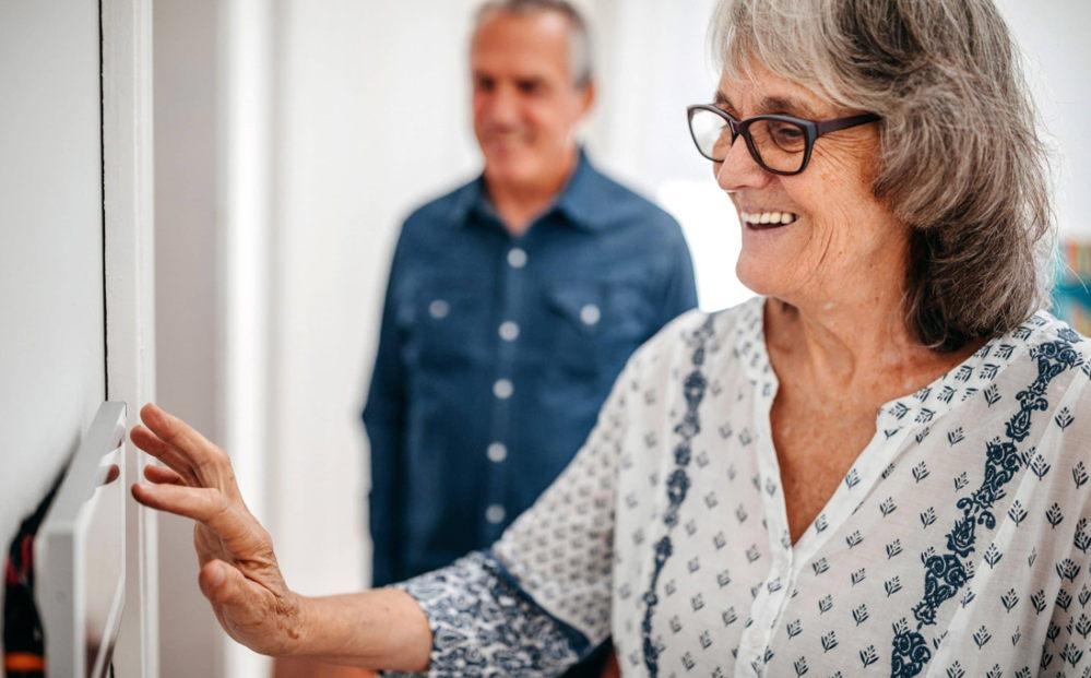 cartelería digital para prevenir en covid en residencias de ancianos