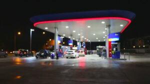 5 ideas de señalización digital en tiendas de gasolineras