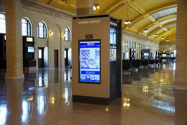 ¿Por qué la señalización digital potencia el transporte?